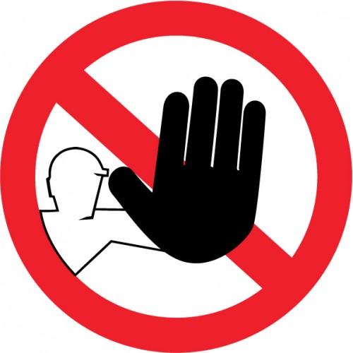Prepoved zadrževanja na šolskih površinah